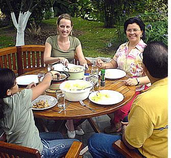 In een verblijf met een lokaal gastgezin leer je Spaans snel te helpen tijdens uw Medische Spaanse Immersie Programma